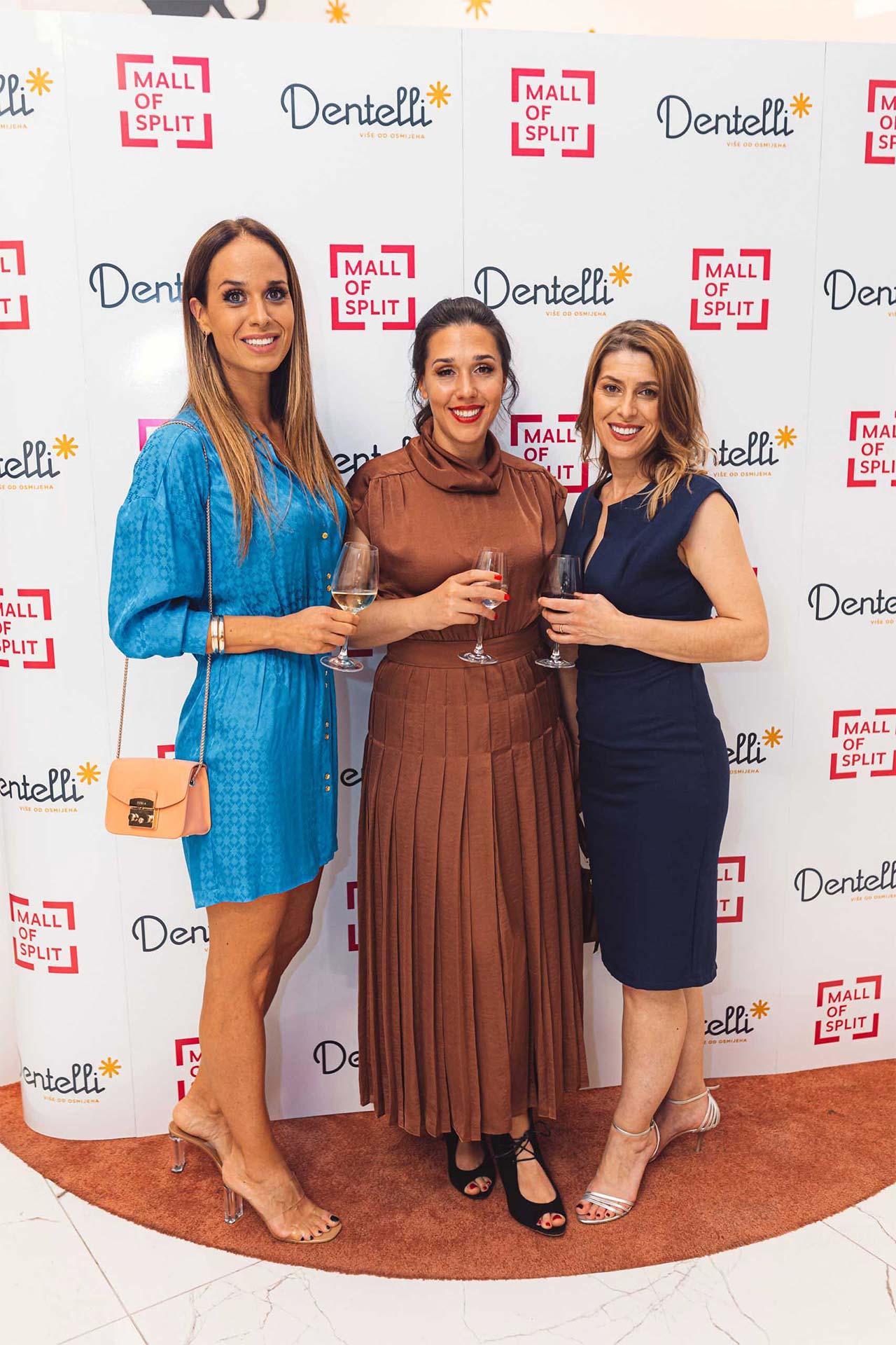 Dentelli Fashion Show - Wall of Fame (7)