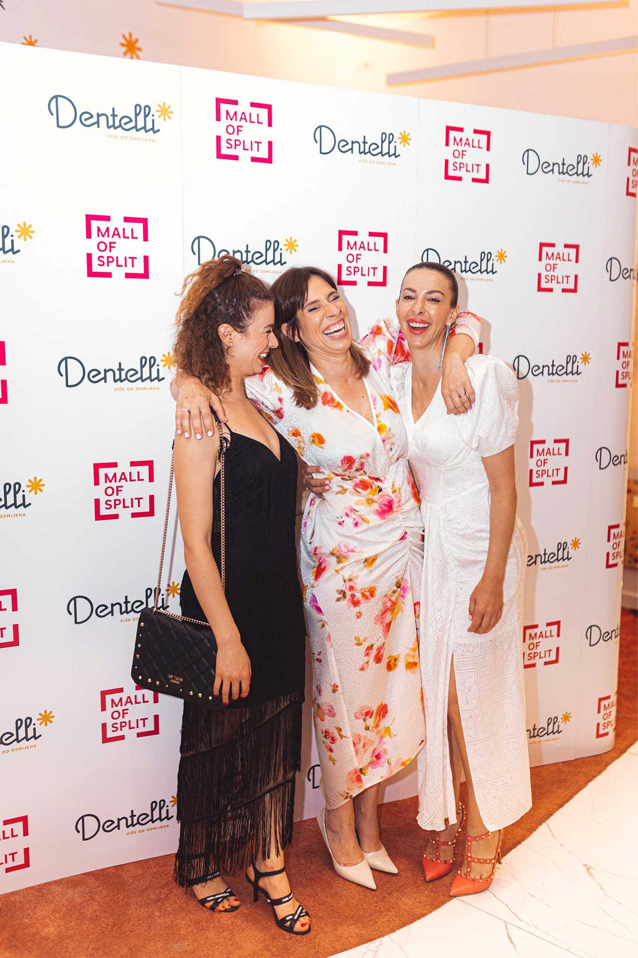 Dentelli Fashion Show - Wall of Fame (9)